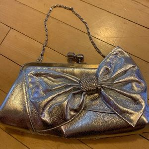 Bow silver purse